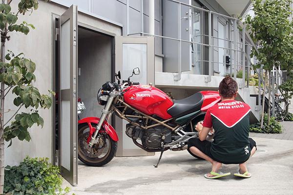 方南町4RESTバイク