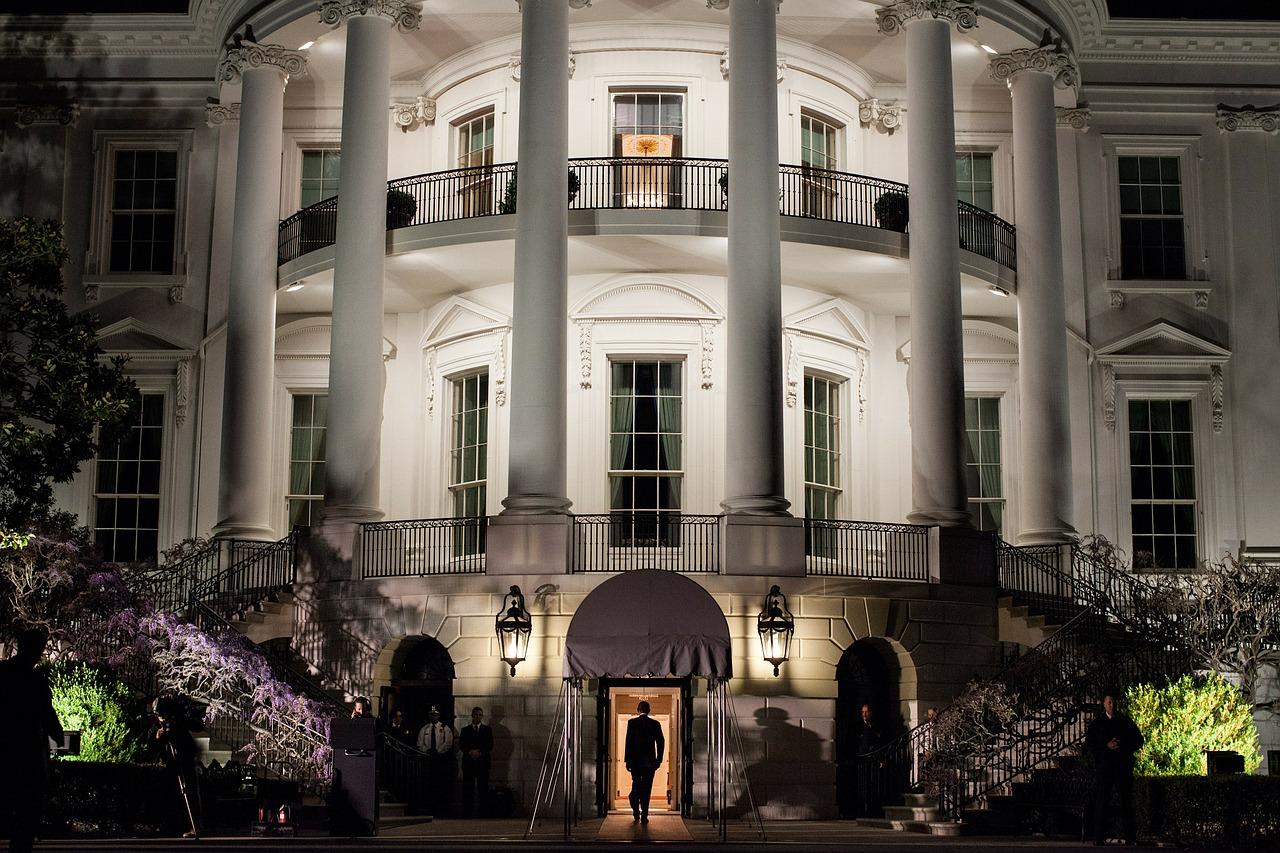 the-white-house-103927_1280.jpg