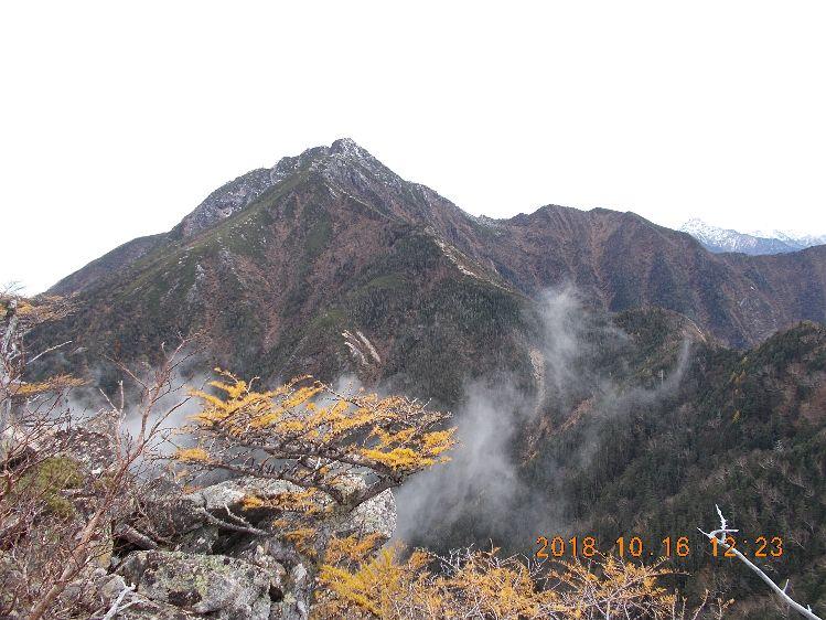 まだ遠いなぁ、駒ケ岳