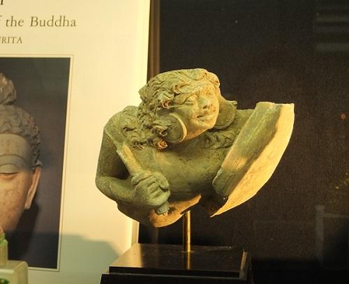 ガンダーラ 戦士像