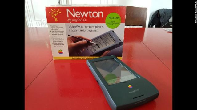 170406125418-07-failure-museum-7-apple-newton-exlarge-169.jpg