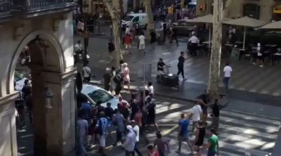 【衝撃!】バルセロナ車突入110人超死傷テロの衝撃的な映像!(観覧要注意!)