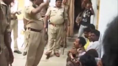【衝撃!】インドで拘留中の犯罪者に体罰・・・