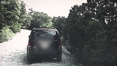 【衝撃!】警官が武器を持っていなかった59歳の男性を射殺!(観覧注意!)