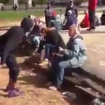 【衝撃!】若者が高齢者を殴る瞬間映像!
