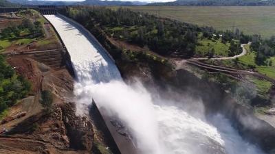 【いいね!】カリフォルニア州の水不足対策でダムから放流!