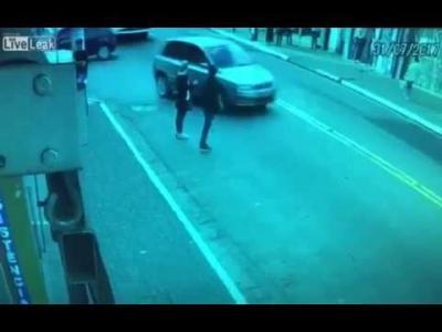 【衝撃!】まるで映画!バイクが事故ったと思ったら追われてた!