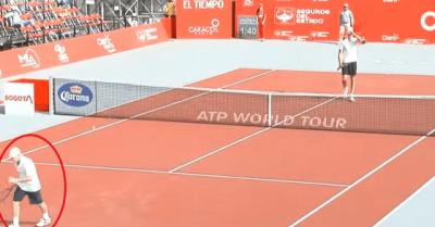 【いいね!】テニスで負けた選手が立ち去る・・・・・次の瞬間に拍手に包まれた!
