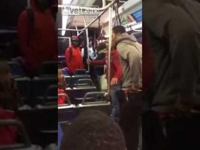 【Fight!】バスで女性に嫌がらせをする男に制裁!