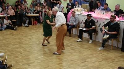 【スゴイ!】おじいちゃんとおばあちゃんのダンスに拍手喝采!感動です!