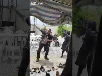 【スゴイ!】イランの葬式は3日間踊り続ける?!