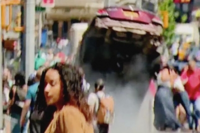 【衝撃!】NYタイムズスクエア暴走車事故の瞬間映像集!7衝撃映像!(観覧注意!)
