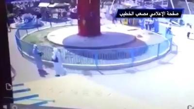 【衝撃!】遊園地のアトラクションで少女が飛び出した!
