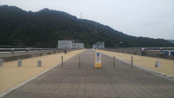 宮ケ瀬ダム天端