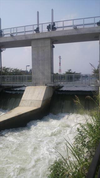 流量調整堰の水量