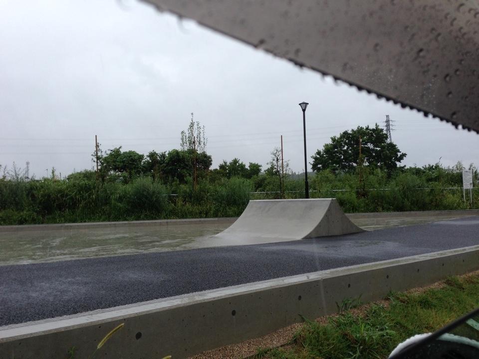 志都呂西公園2