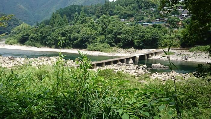 里川沈下橋