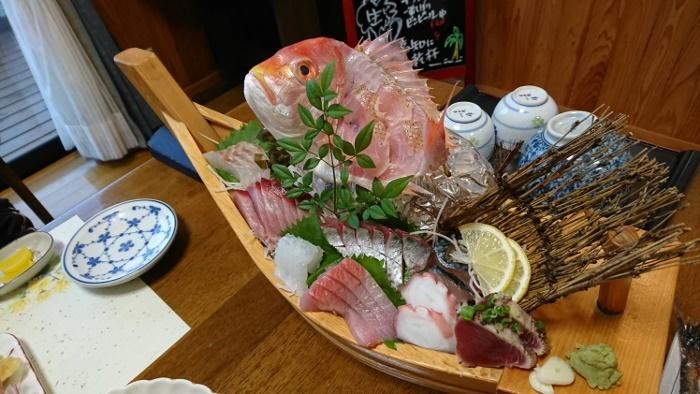 サライ 夕食 刺身盛り合わせ