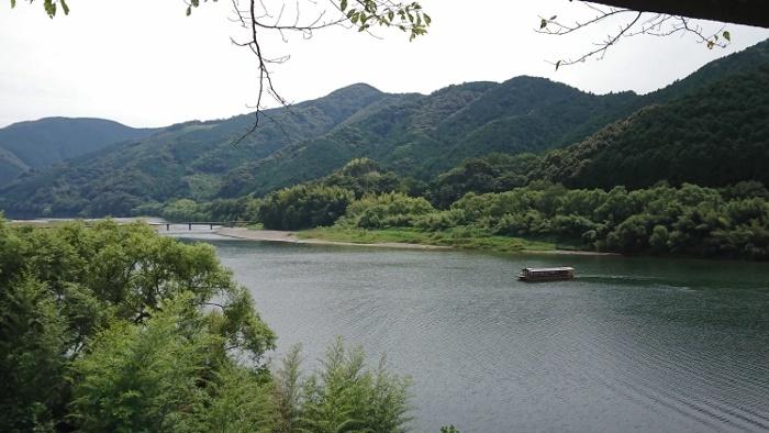 佐田沈下橋と屋形船