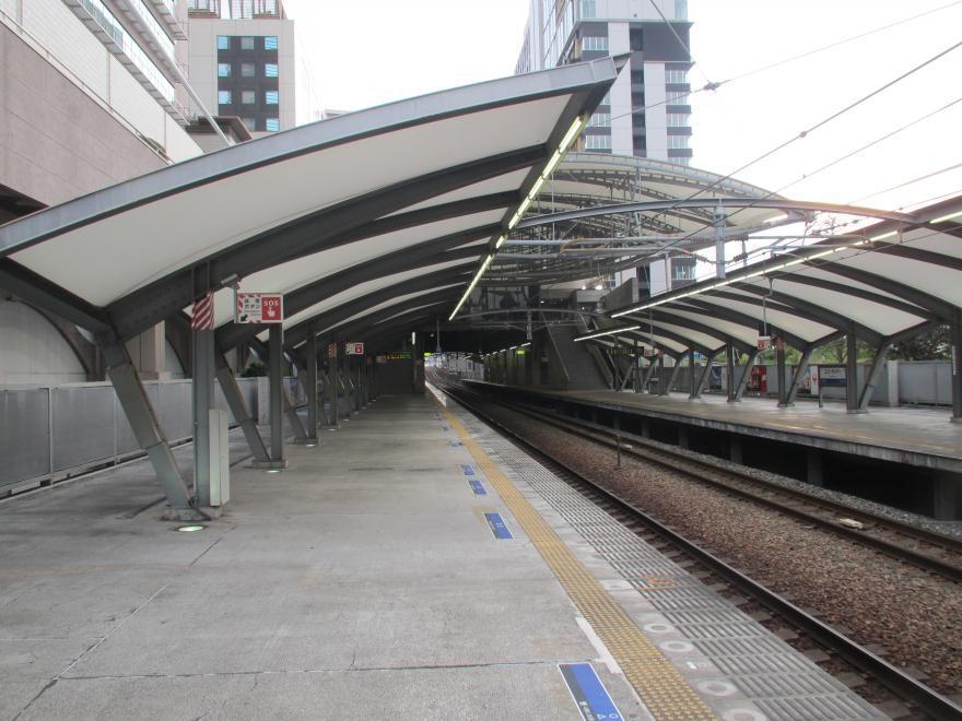 ユニバーサルシティ駅6
