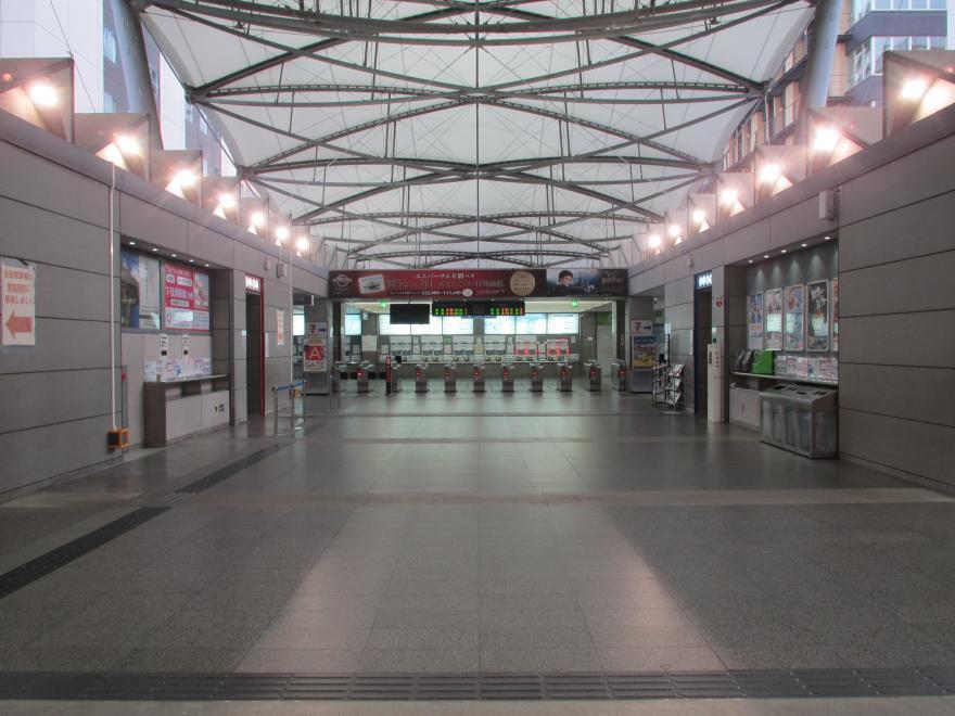 ユニバーサルシティ駅4