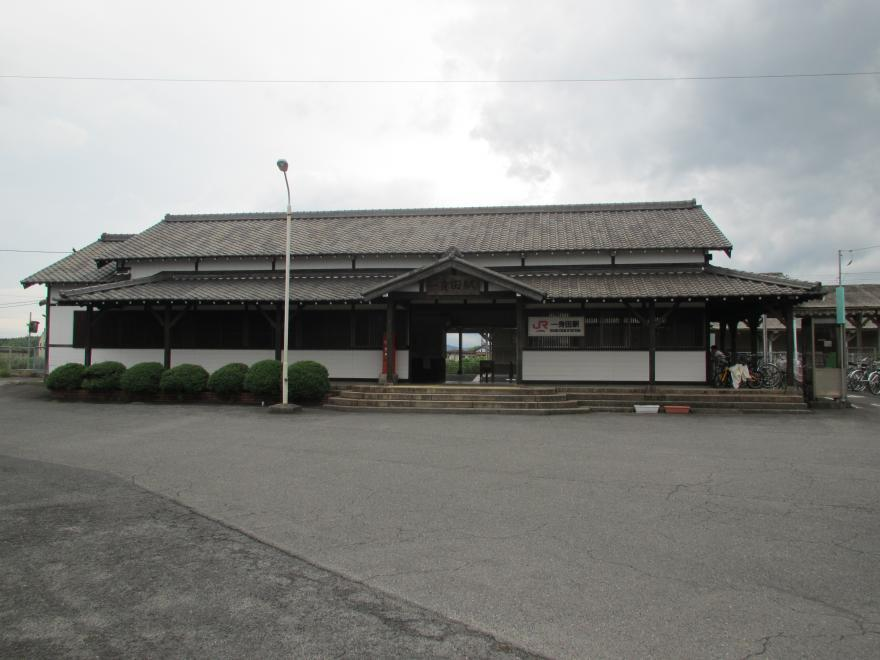 一身田駅1
