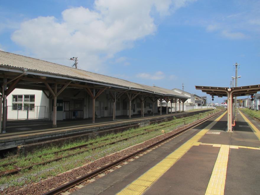 高茶屋駅3