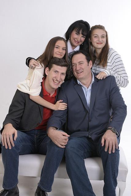 family-1888619_640.jpg