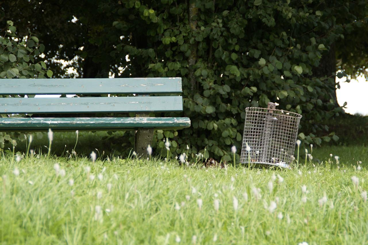 park-bench-421899_1280.jpg