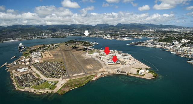 Aerial_view_of_Ford_Island_Pearl_Harbor_2013_convert_20170921103424.jpg