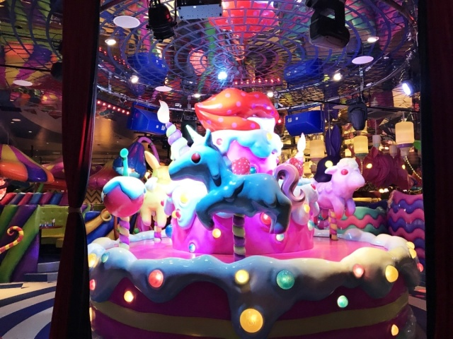 KAWAII MONSTER CAFE HARAJUKU (7)