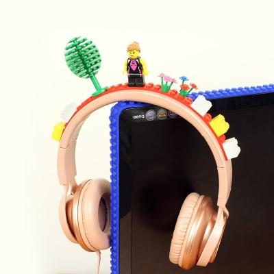 おもちゃのブロックをどこでも連結できるテープ