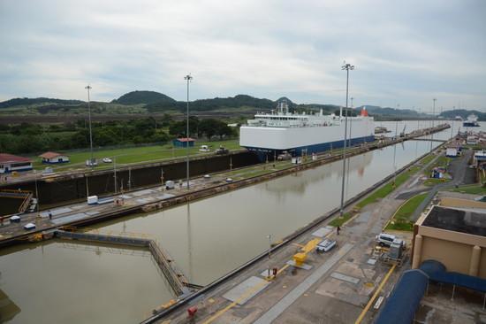 パナマ パナマ運河へ(12)