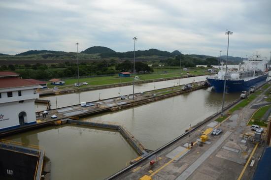 パナマ パナマ運河へ(14)