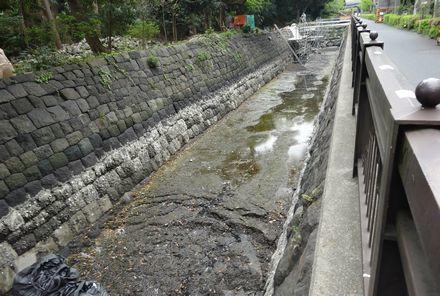 石組みの修復工事