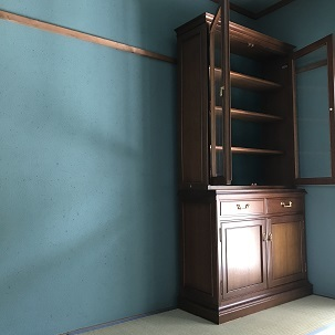 cupboard1.jpg