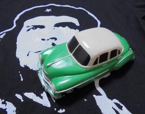 キューバ車の置物