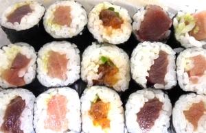いくらの細巻き寿司折