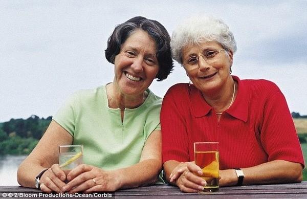 高齢者女性スマイル