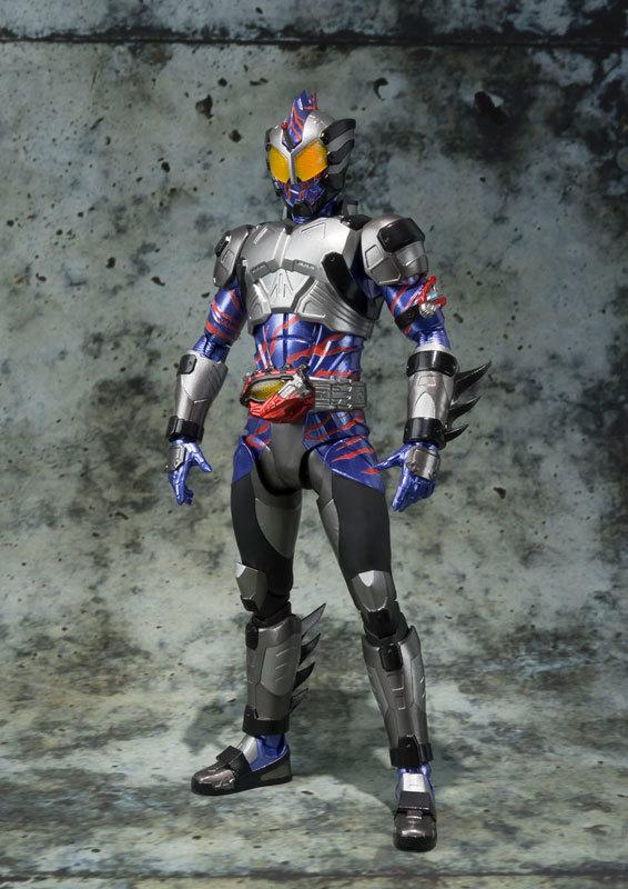 フィギュアーツ 仮面ライダーアマゾンネオFIGURE-030641_01