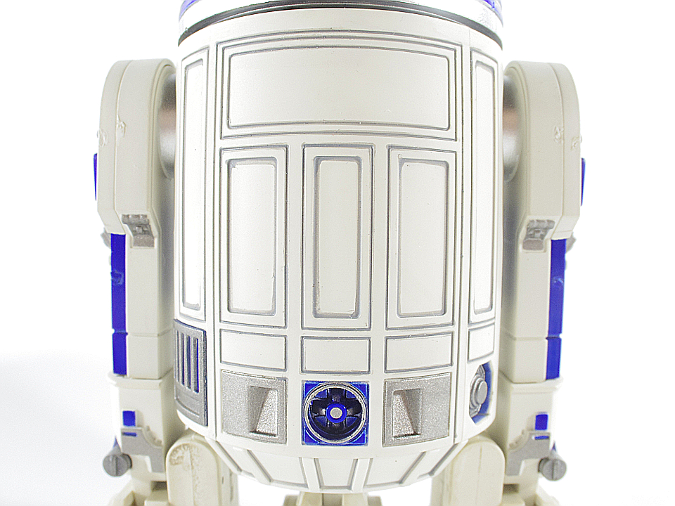 R2-D2 NEW HOPE15