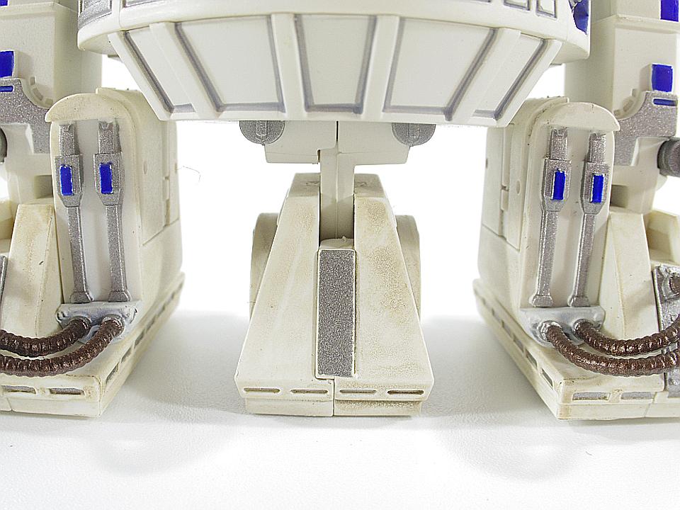 R2-D2 NEW HOPE26