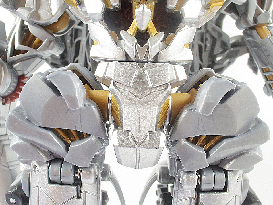 MB-03 メガトロン27