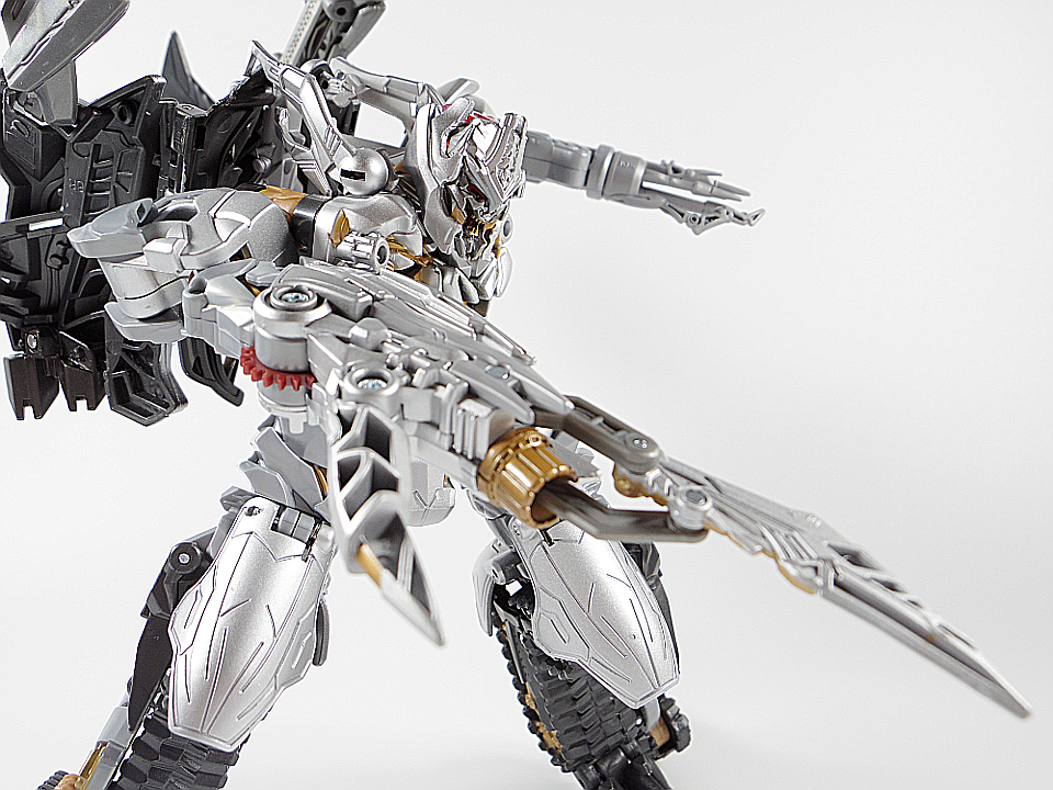 MB-03 メガトロン70