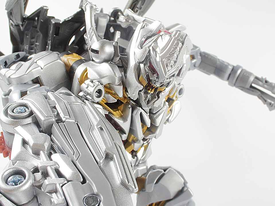 MB-03 メガトロン72