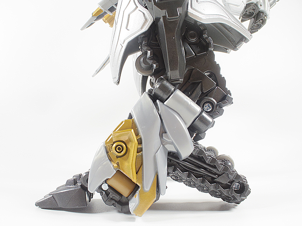 MB-03 メガトロン74