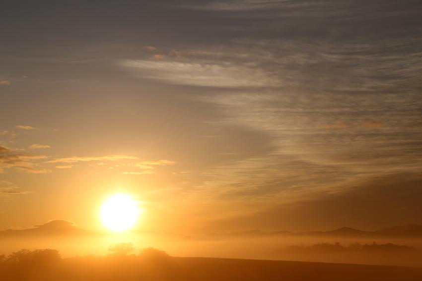 20170517朝霧と朝陽