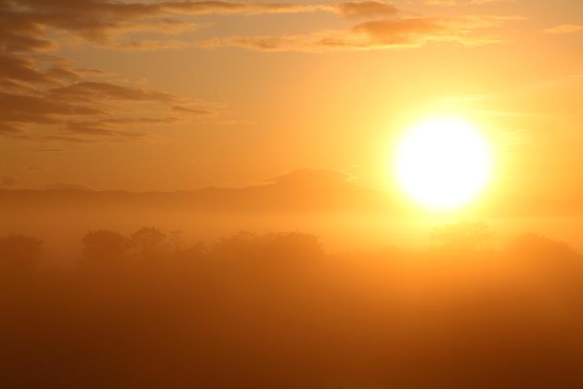 20170517朝陽と室根山