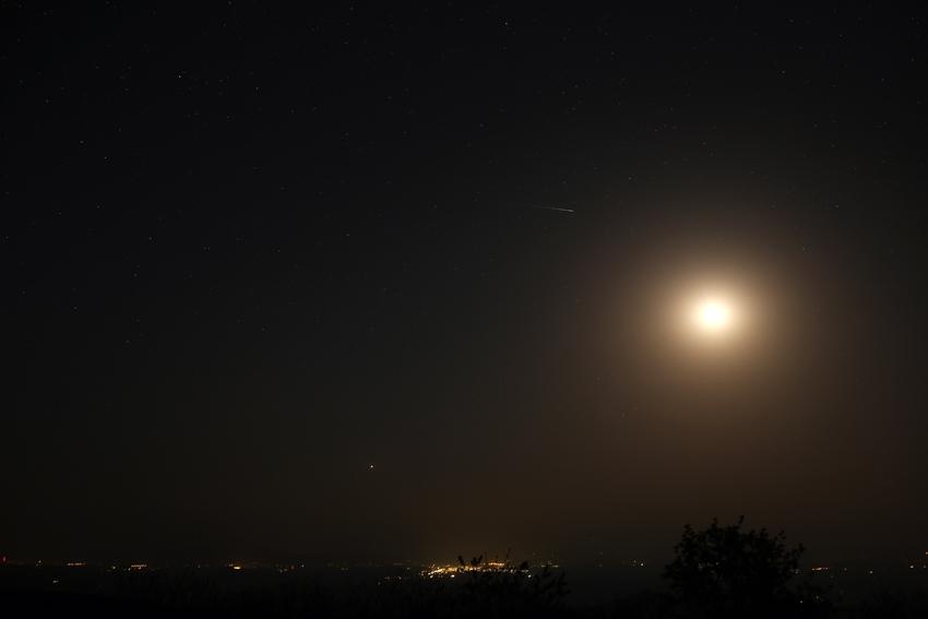 20170521東天の月と金星(いわかがみ平)