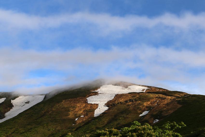20170618雲のかかる栗駒山